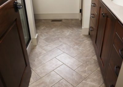 Herringbone pattern for porcelain tile