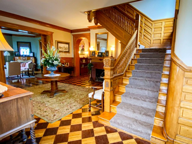 Custom stair runner for a historic home in Troy, Ohio
